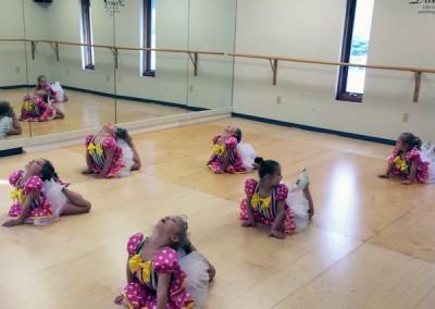 tiny-danceres